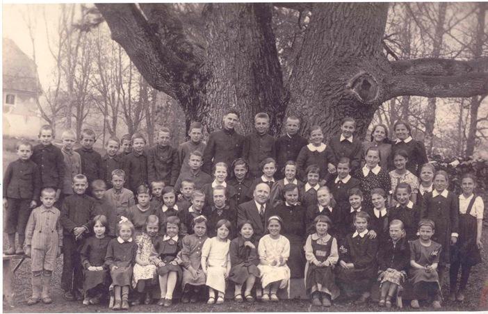 1942_grasu_pamaskolas_skoleai